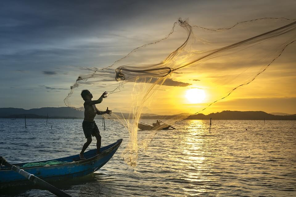 Defining Ideal Client Image in Outsource Workers - Casting Nets in the Sea Twilight Sundown